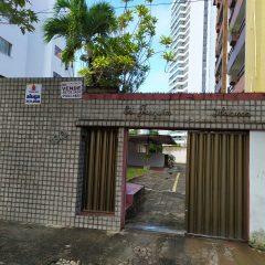 Edifício Joaquim Frota de Holanda - Casa Duplex, 115m²  100% Nascente Apartamento 101, C/  Elevador, 3 quartos sendo 2 suítes